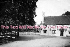 BK 70 - Castle Inn, Hurst, Berkshire c1920 - 6x4 Photo