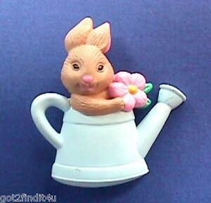 Hallmark-PIN-Easter-Vintage-BUNNY-WATERING-CAN-Rabbit-Holiday-Brooch