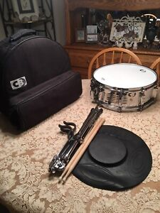 CB700-Dynamax-Snare-Drum-With-Carrying-Case-And-Ludwig-Stand