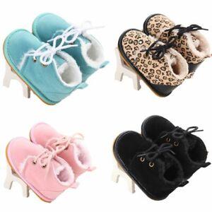 les-chaussures-coup-de-patins-du-cuir-lit-de-bebe-suEde-semelle-en-caoutchouc