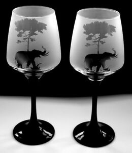 Giraffe gift Wine Glasses black stem   Boxed