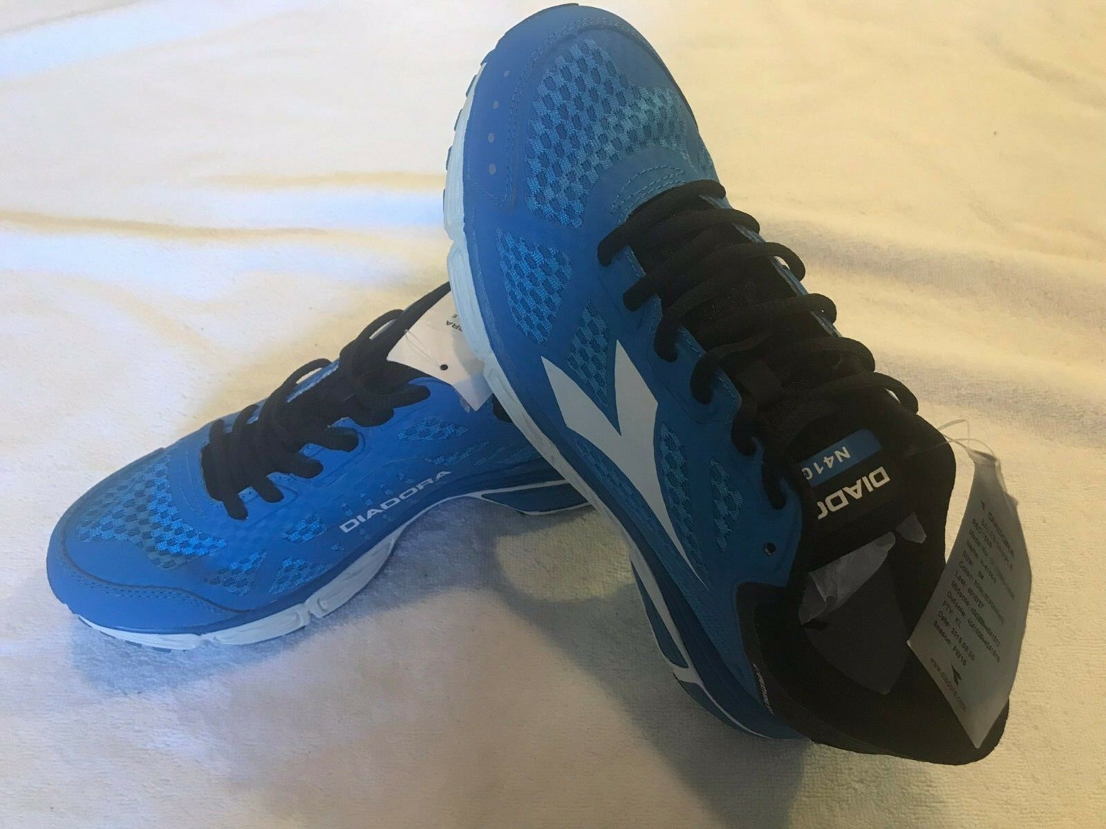 NWOB Diadora Men's Royal bluee Black White RUNNING ATHLETIC shoes Size 8.5