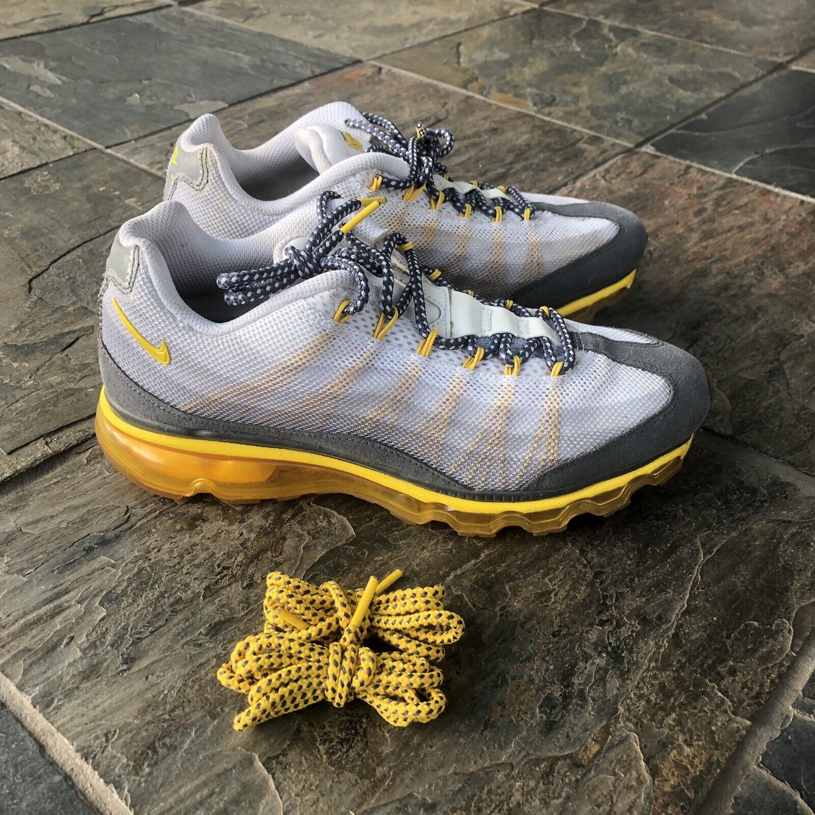 Air Max 95 x LiveStrong Authentic Lance Armstrong Size 8.5 Very Rare