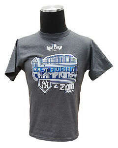 MAJESTIC YOUTH NY YANKEES 2011 EAST DIVISION CHAMPIONS T-SHIRT (Large, Grey)