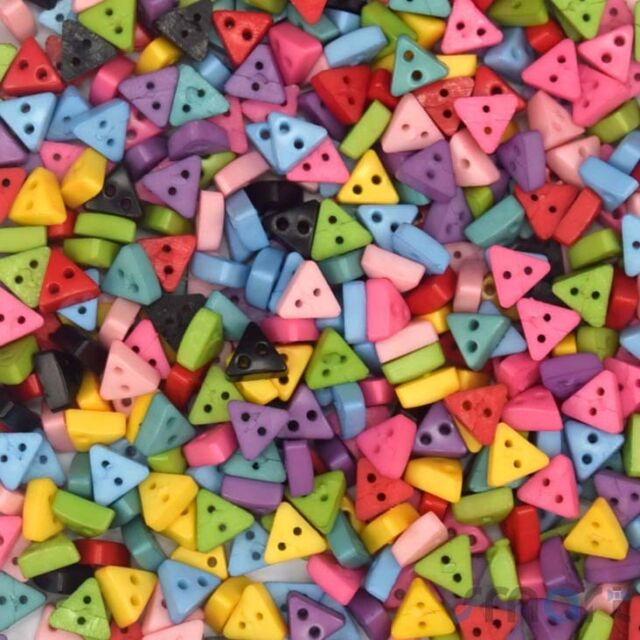 100pcs Bulk Resin Mixed Colors Triangle Sewing Button lots 6mm Craft Cards