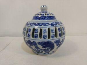 Vintage-Decorative-Blue-amp-White-Koi-Fish-Ceramic-Lidded-Slotted-Jar-hd2872