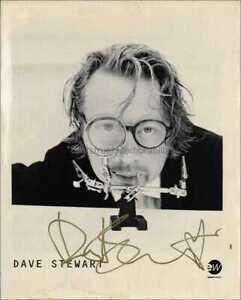 DAVE-STEWART-AUTOGRAPH-EURYTHMICS-HAND-SIGNED-10X8-PHOTO