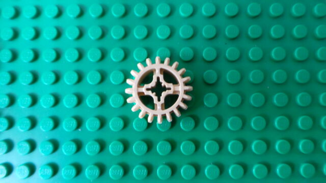 2 x Lego Tan Technic, Gear 20 Tooth Double Bevel P/N 32269  ** NEW **
