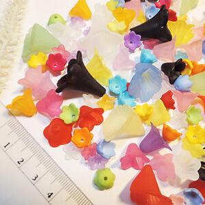 BLUTEN-Perlen-SET-150stk-5-20mm-BUNT-MIX-Acryl-Blumen-Bluetenkelch-Engel