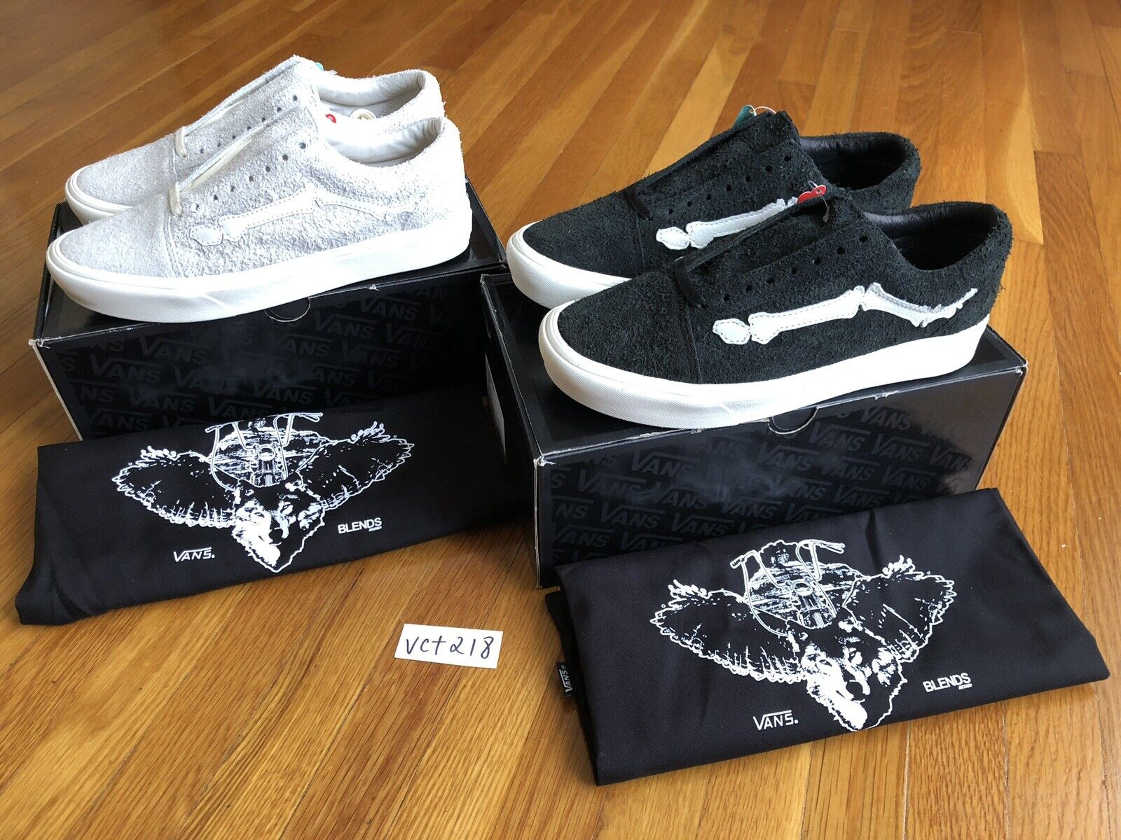 Blends x Vans Comfycush Old Skool Bones Dimensione US 8 nero and Marshmallow SET