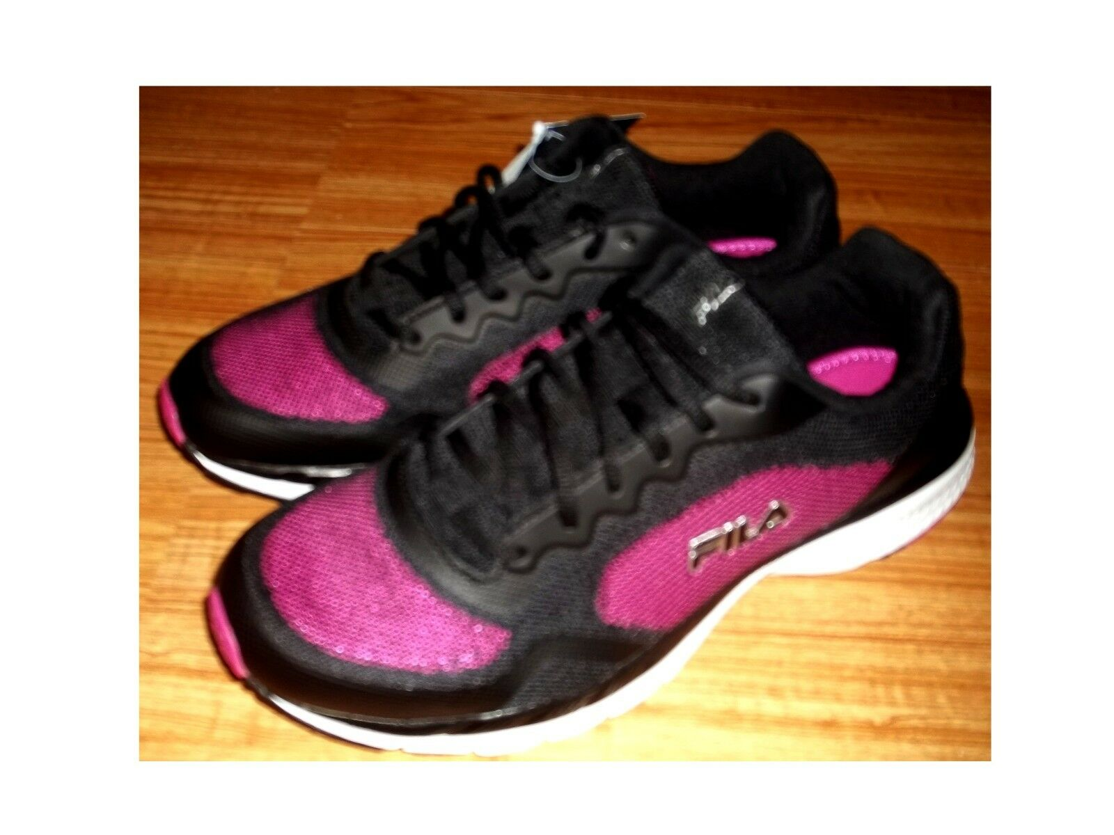 NEW FILA MEMORY SHOWCASE 3 Shoes Sz 11  ***FREESHIPPING*** Special limited time