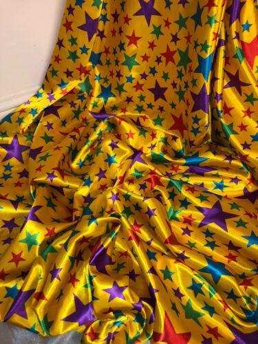 """1 metros Estrella Amarilla De Varios Colores Vestido Impreso Tela Raso 58/"""" Ancho £ 1.99"""
