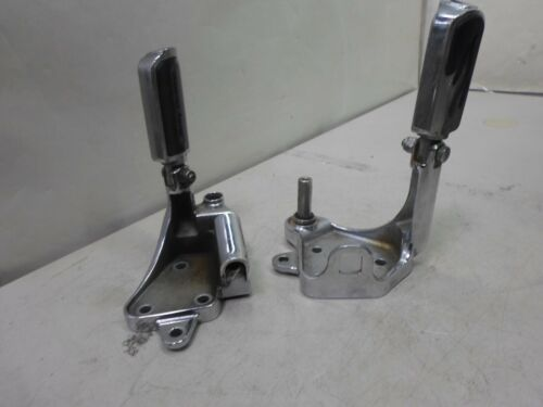 05 Harley Softail Night Train FXSTBI Front Right /& Left Driver Foot Peg Mount