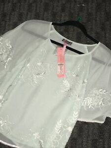 Pale-Green-Embroidered-And-Sequin-Lipsy-Top-Size-12-New-Cost-40