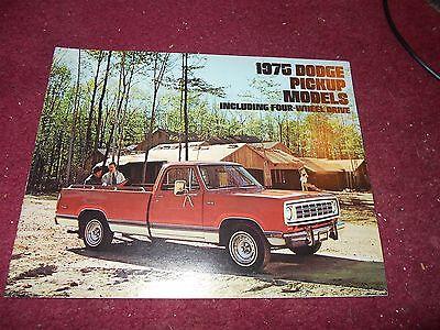 1975 Dodge Club Cab Pickup Truck D100 D200 W100//200 Dealer Mailer Sales Brochure