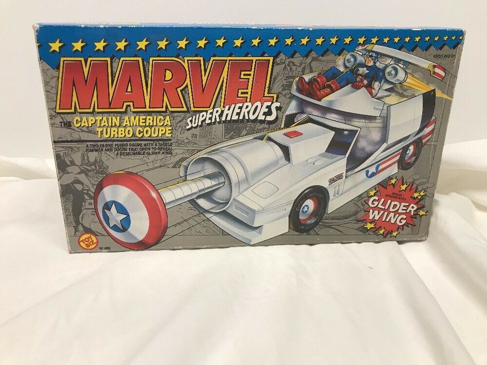 Marvel Super Heroes Captain America Turbo Coupe with Glider Wing 1990 Toy Biz
