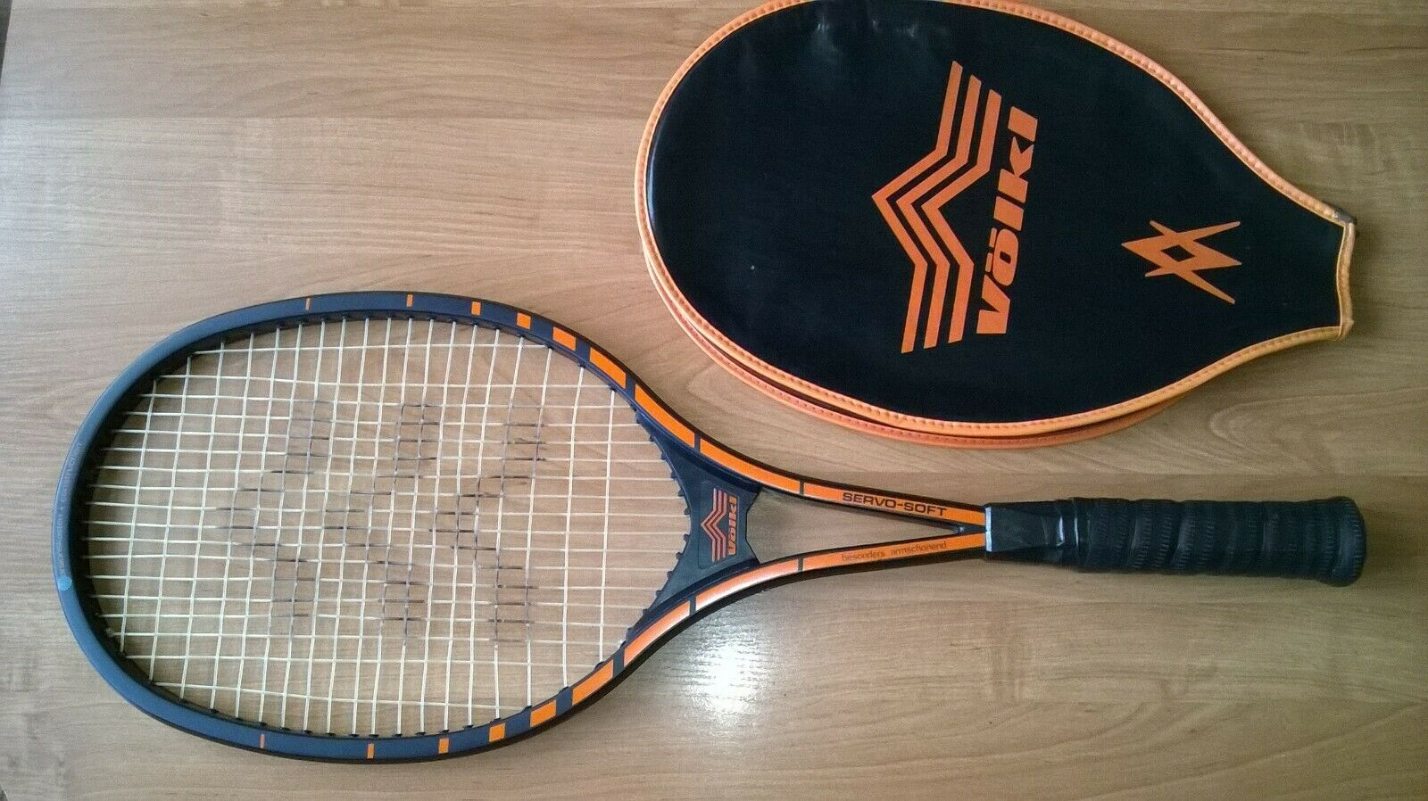 VINTAGE,1978,TENNIS RACKET VOLKL SERVO-SOFT+COVER,EXCLUSIVE TENNIS COLLECTION