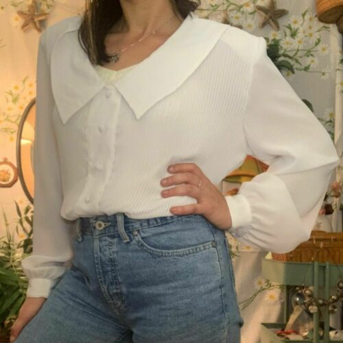 Vintage white pleated blouse big statement collar