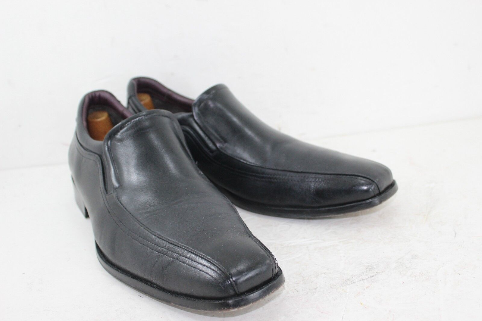 JOHNSTON & SHOES MURPHY BLACK SLIP ON SHOES & SHEEPSKIN IN GOOD CONDITION b75607