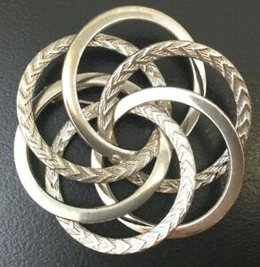 VINTAGE-INTERTWINED-BROOCH-ETCHED-SILVER-TONE-METAL-COSTUME-JEWELRY