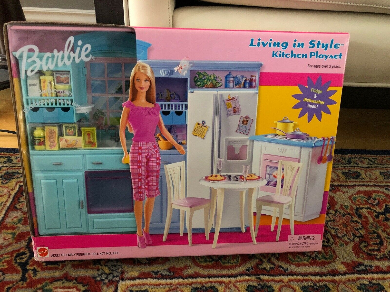 Barbie Living in Style Kitchen Fridge Sink Island Oven Table Brand New