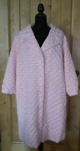 1960s Pale Pink Quilted Robe Housecoat PinUp Rockabilly Mid Century Pastel
