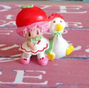 Figurines PVC Charlotte aux fraises Strawberry shortcake AGC no 3 vintage 1982