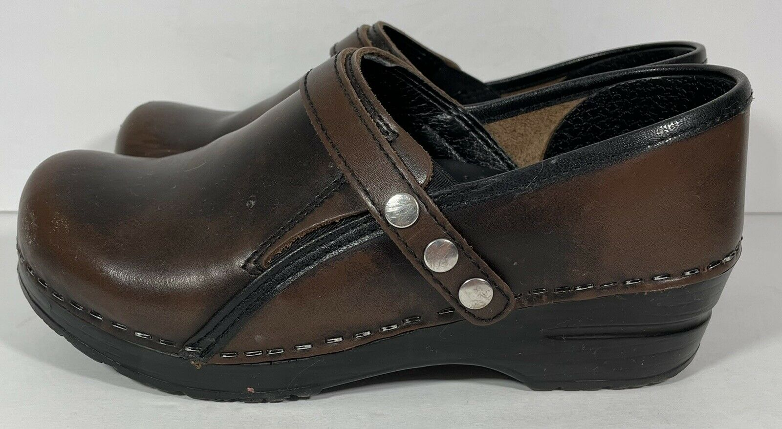 Sanita Womens Size Brown Leather Slip On Clogs Professional Size 36 US 5.5 - 6