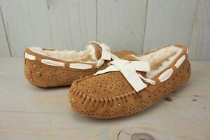 01a2523ae0b Details about UGG DAKOTA SUNSHINE PERF CHESTNUT SHEEPSKIN LINED WOMENS  SLIPPER US 10 NIB