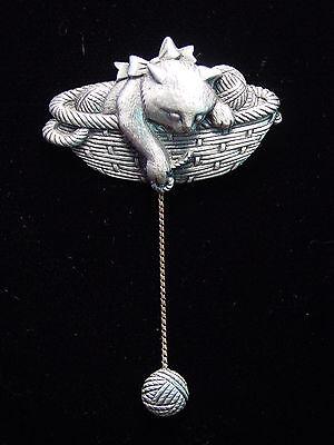 """""""JJ"""" Jonette Jewelry Silver Pewter 'CAT in Yarn Basket' Pin"""