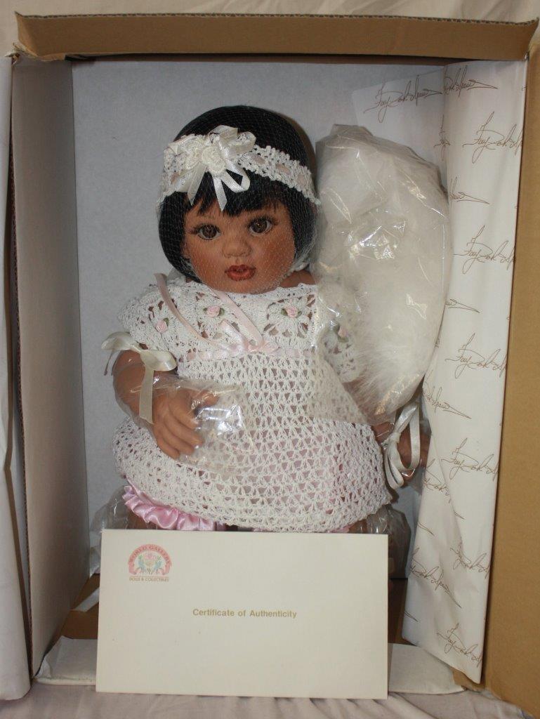 La Muñeca Colección FAYZAH SPANOS Cabello Oscuro Fantasía preciosa reliquia shmancy  98
