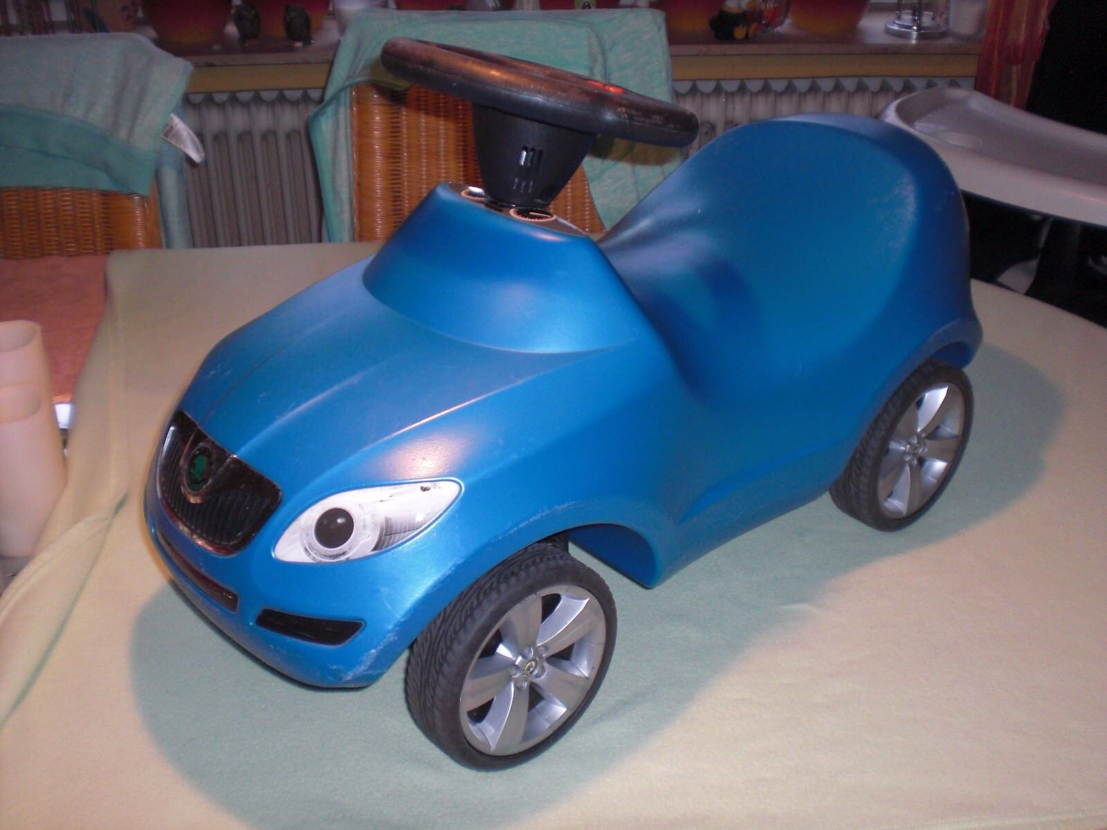 Ferbedo Skoda Roomster Rutscher blau - Flüsterreifen - Rutscherauto Laufauto