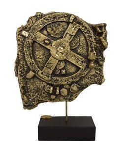 Antikythera-mechanism-sculpture-ancient-Greek-computer-alabaster-bronze-effect