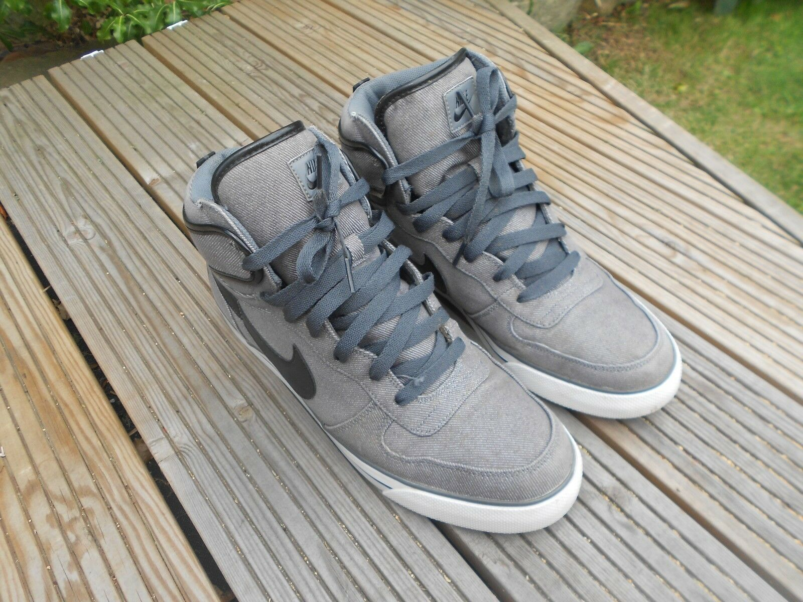 MENS BIG NIKE HIGH AC TEXT TRAINERS UK SIZE 12 - GREY - IN A GOODISH CONDITION