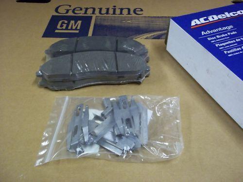 05 06 07 C6 CORVETTE LS2 FRONT /& REAR CERAMIC BRAKE PADS NEW GM A//C DELCO