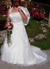 Brautkleid Ladybird, Grösse 46, Farbton Ivory, A-Linie, Neckholder, Ärmellos