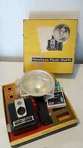 Kodak brownie hawkeye flash outfit camera