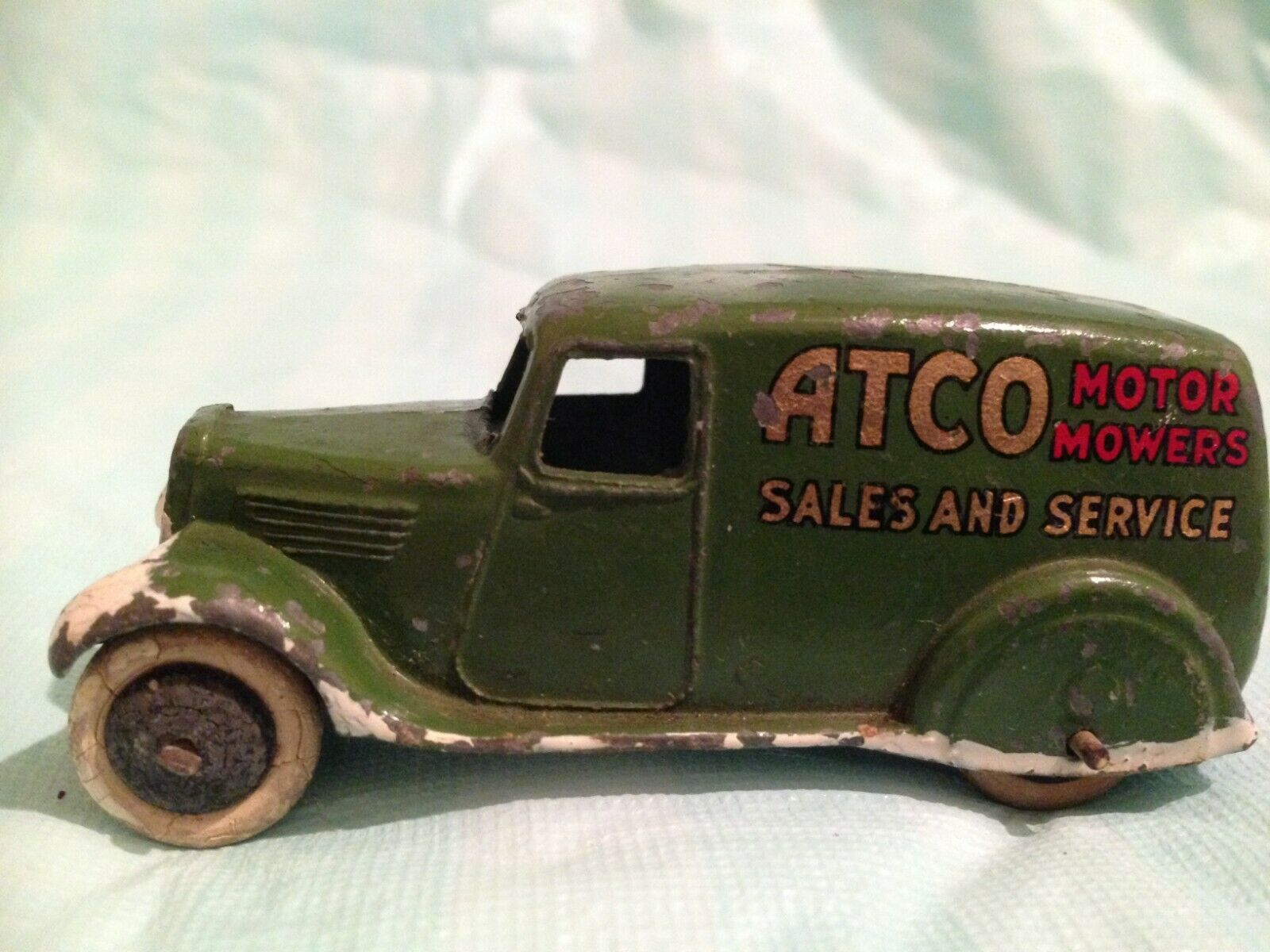 Very Rare Dinky Type 2 28N Green Atco Sales & Service Van with White Edging