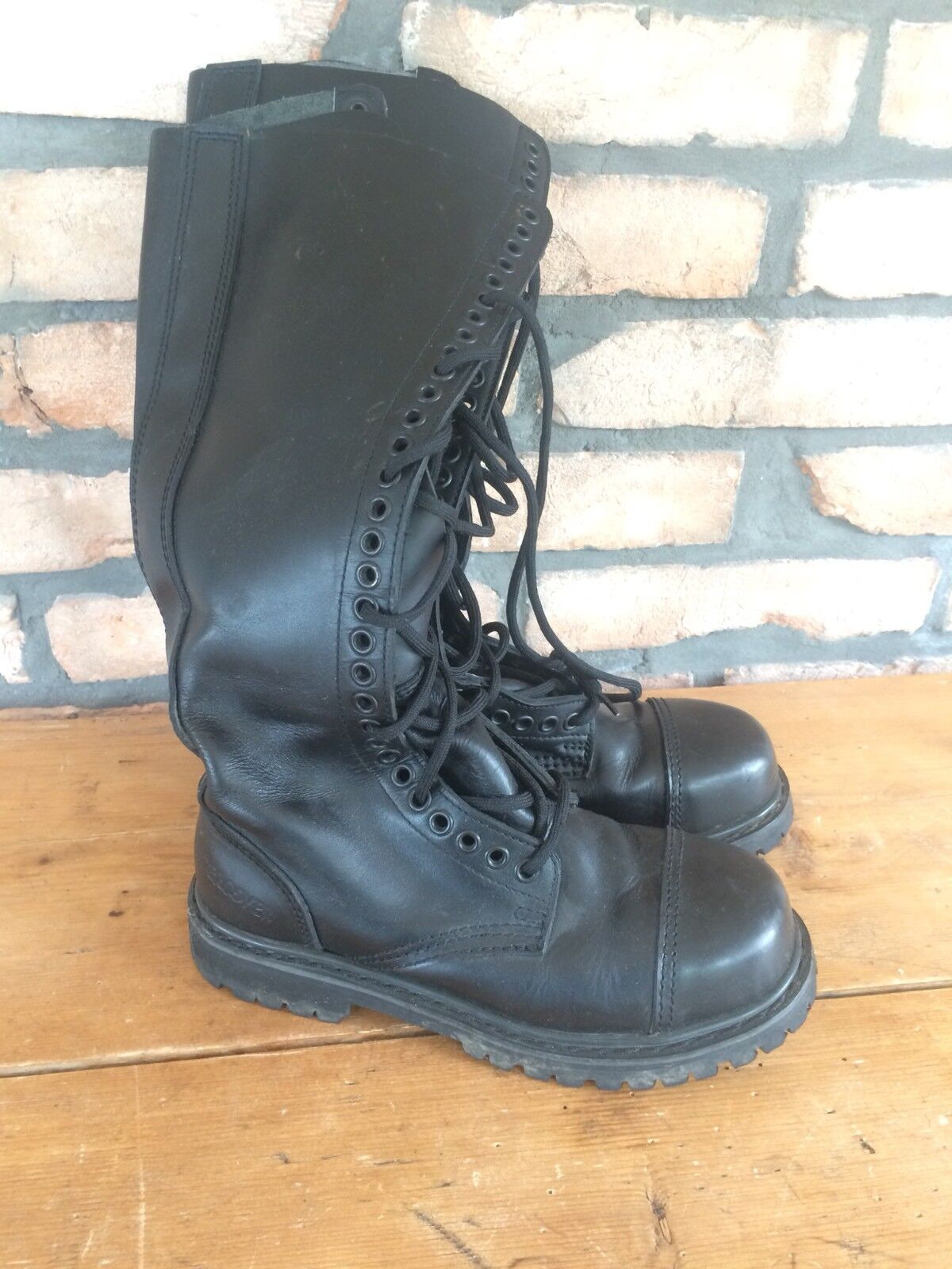 Undercover Boots, Stiefel  30 Loch Gr. 6/ 40 Leder, Gothic, Cosplay, Festival!