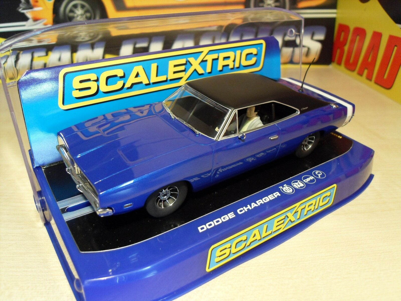 Scalextric C3535 Dodge Charger R T 'Metallic azul Street Car' - Brand New Boxed.