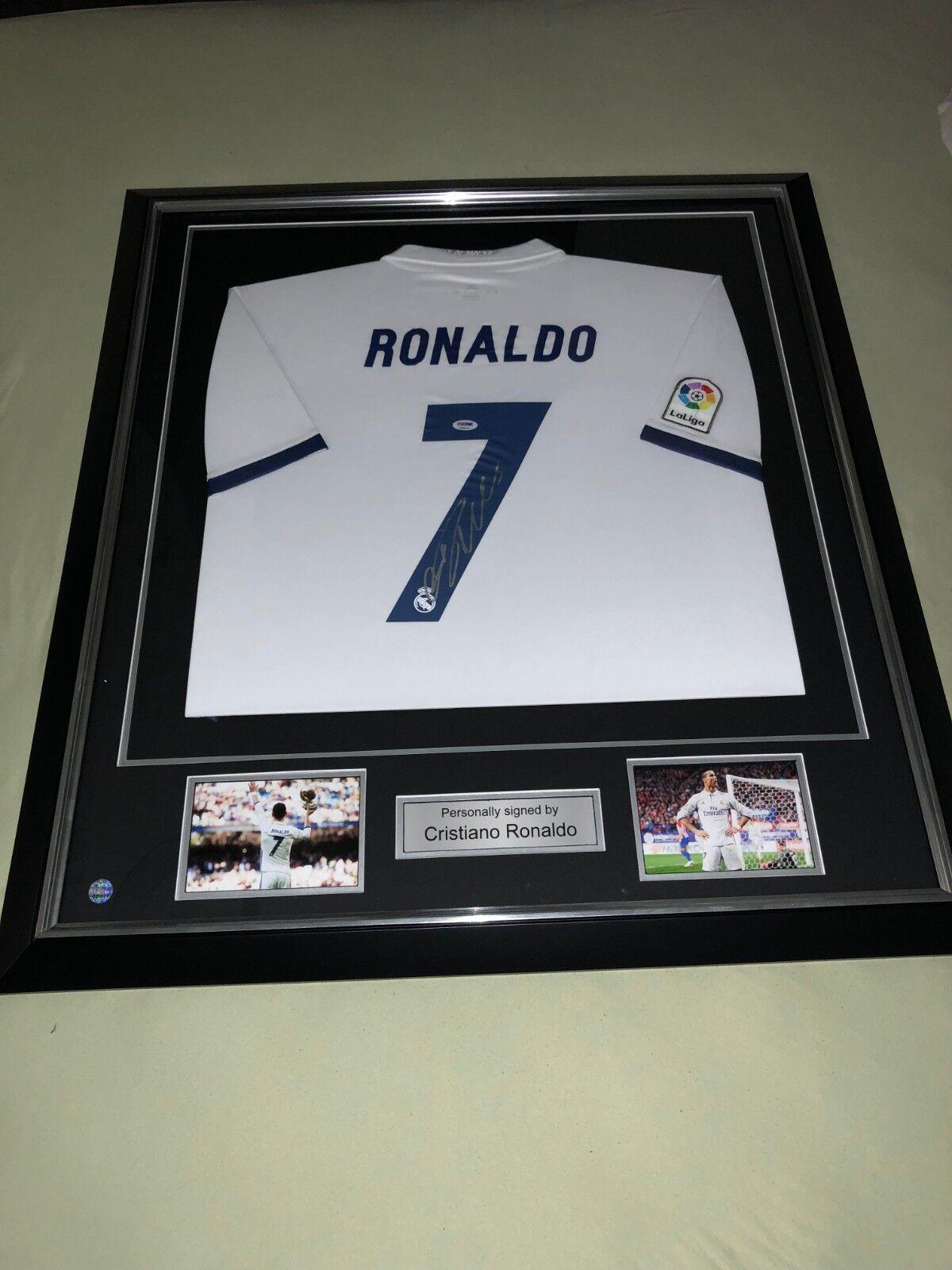 Maillot Jersey signé par Cristiano Ronaldo encadré avec certificat d'authenticit
