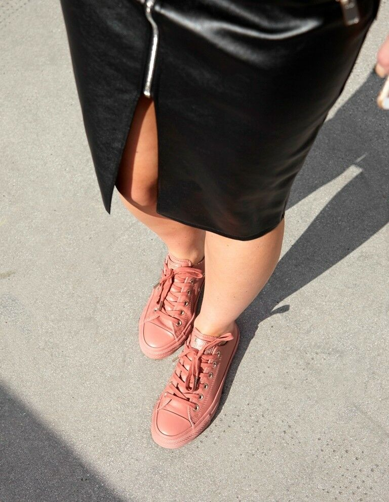 Converse All Star Ox Leather Holliday Nude Collection Size 6 (limited edition)