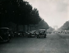 PARIS c. 1950 - Circulation Autos Champs Elysées - DIV 9124