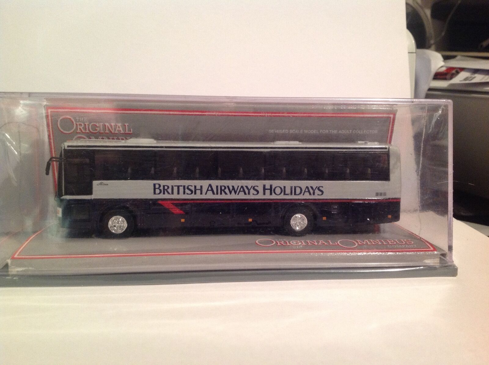 OM42729 Van Hool Alizee British Airways Holidays LTD Edition No. 0002 of 2600