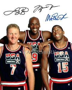 MICHAEL-JORDAN-LARRY-BIRD-MAGIC-JOHNSON-OLYMPIC-SIGNED-AUTOGRAPHED-8X10-PHOTO-RP