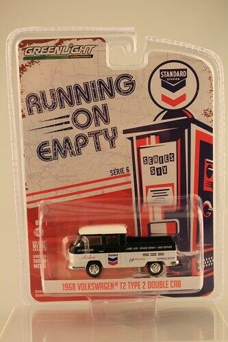 VW t2 doble cabina Standart estación running on empty GreenLight 1:64