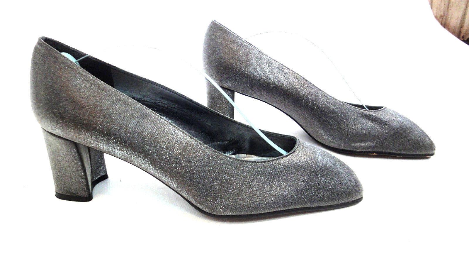 STUART WEITZMAN Vintage Elegant Silver Silk Pumps Heels Classic  s 8 Medium
