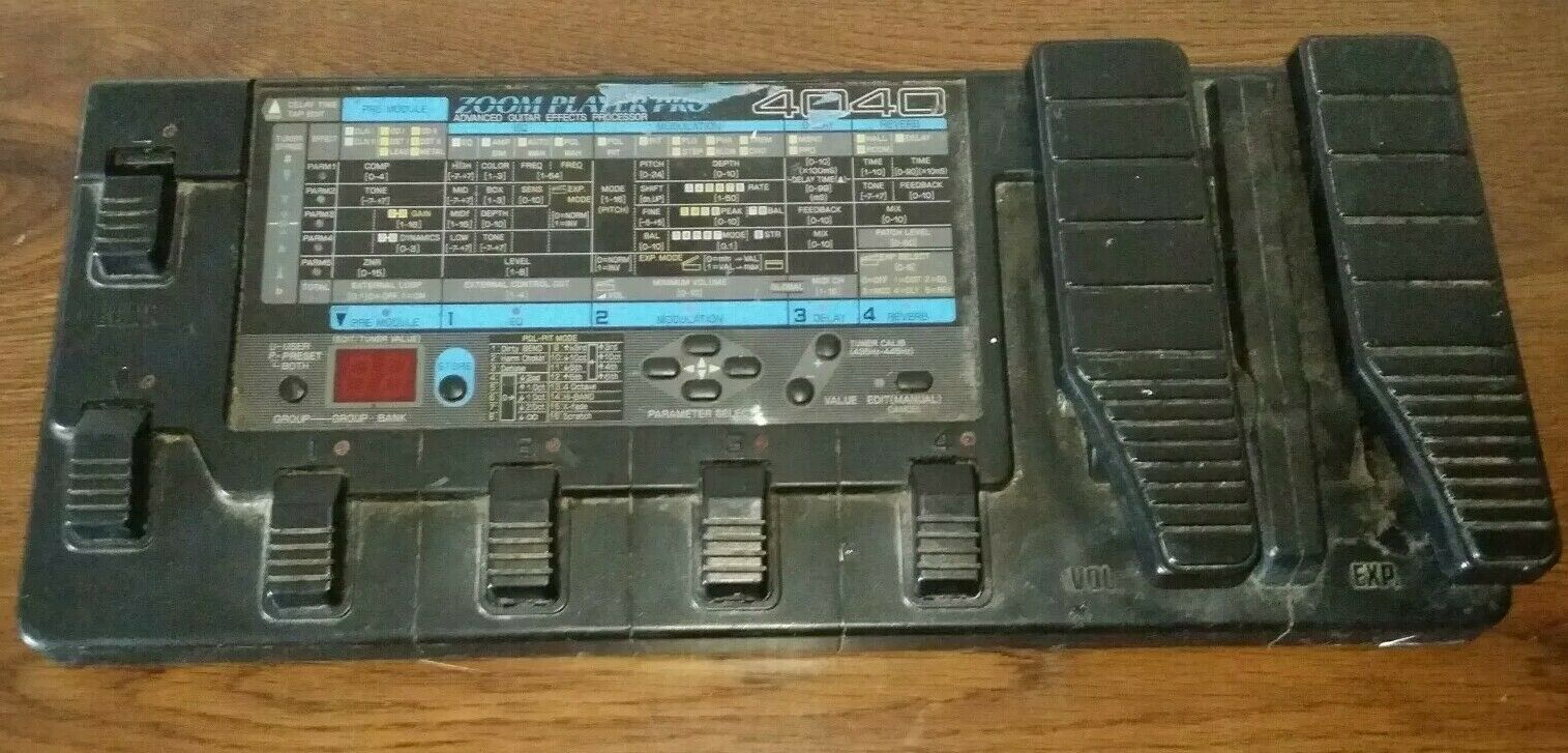Zoom PLAYER PRO 4040  Advanced Guitar Effects Processor  With Power Cord Tested