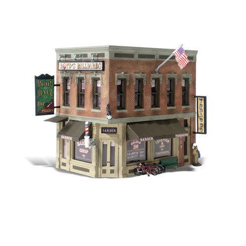 Woodlend Scenics  HO Built-N-Ready Corner Emporium 2-Story Building LED  WOO5024
