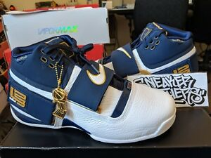 d501c613f76 Nike Zoom LeBron Soldier 1 CT16 QS 25 Straight Midnight Navy White ...